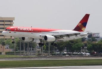 EI-CEZ - Avianca Boeing 757-200