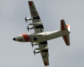 2004 - USA - Coast Guard Lockheed HC-130J Hercules