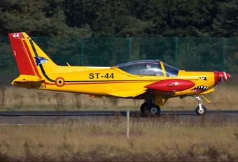 "ST-44 - Belgium - Air Force ""Hardship Red"" SIAI-Marchetti SF-260"