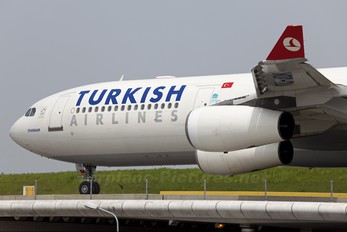 TC-JDK - Turkish Airlines Airbus A340-300