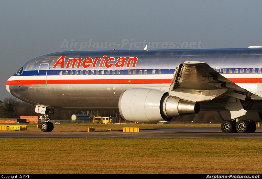 American Airlines N398AN aircraft at Manchester