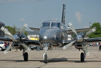 SP-NEO - Private Beechcraft 90 King Air