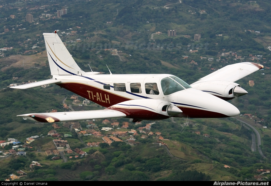 TIALH  Private Piper PA34 Seneca At In Flight  Costa Rica  Photo ID 8993