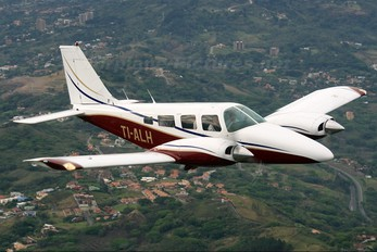 TI-ALH - Private Piper PA-34 Seneca