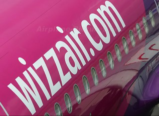HA-LPX - Wizz Air Airbus A320