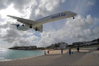 PJ-MDB - Insel Air McDonnell Douglas MD-82