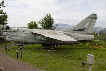 158830 - USA - Navy LTV A-7E Corsair II