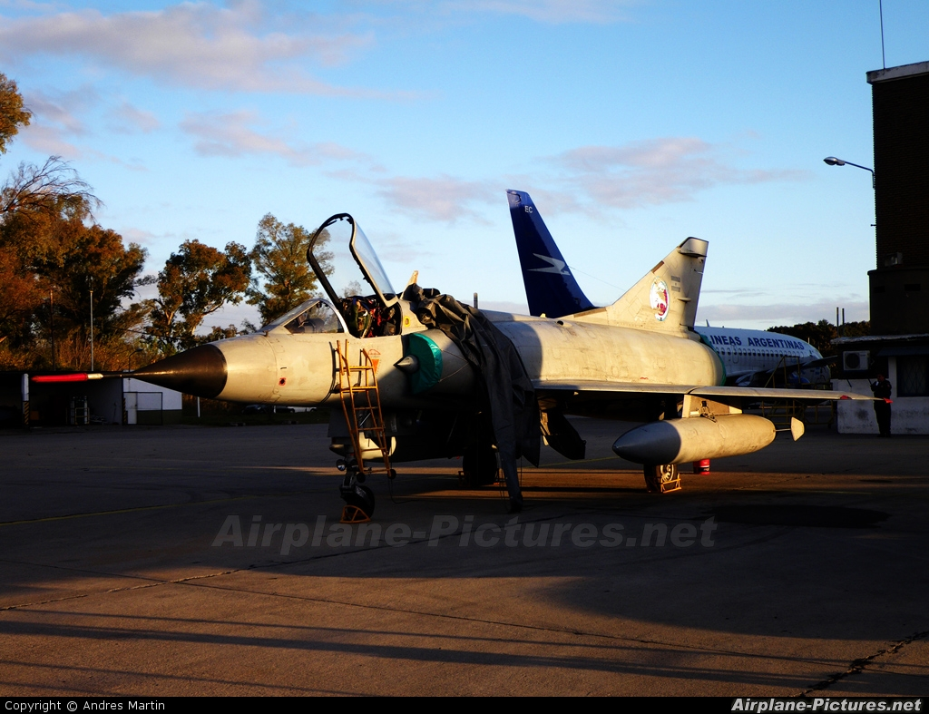 Argentina - Air Force I-018 aircraft at Buenos Aires - Ministro Pistarini