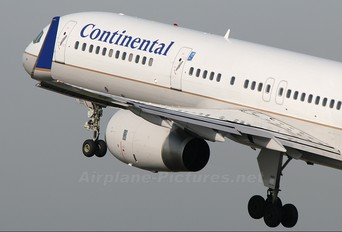 N14102 - Continental Airlines Boeing 757-200