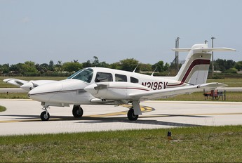 N2196V - Private Piper PA-44 Seminole