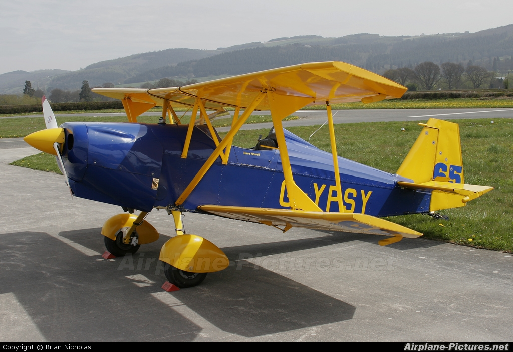 Private G-YPSY aircraft at Welshpool