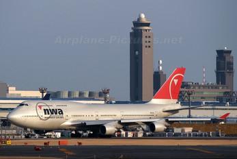 N671US - Northwest Airlines Boeing 747-400