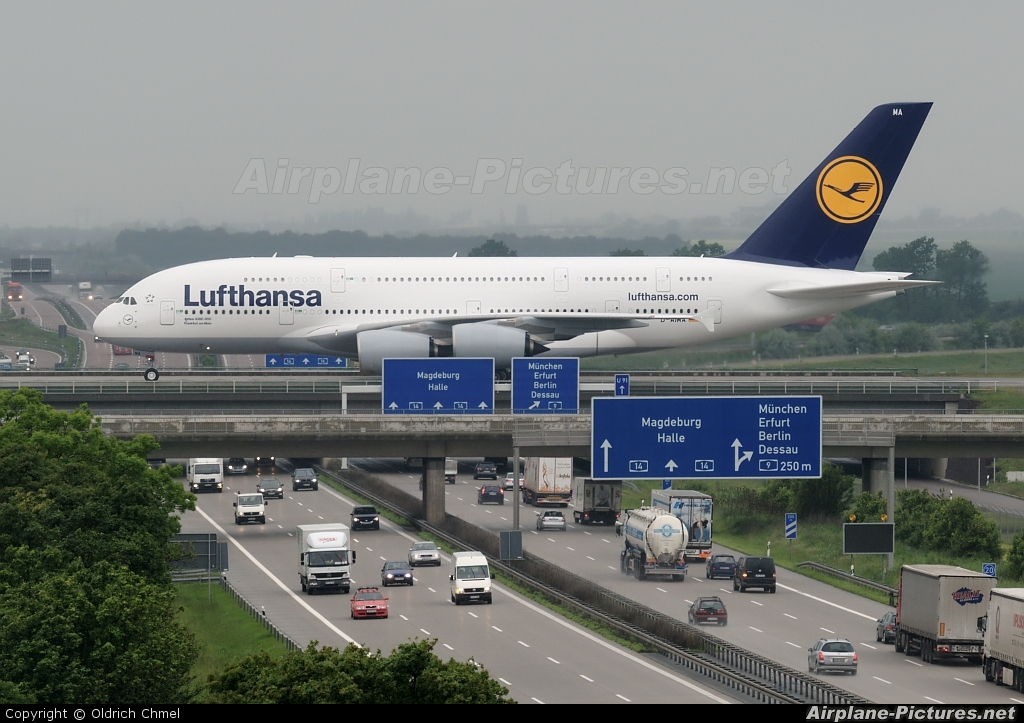 worlds biggest rc plane with D Aima Lufthansa Airbus A380 on Worlds Largest Aircraft likewise Largest Lego Ship Ever Built Is Bigger Than Three Queen Sized Beds in addition Watch moreover D Aima Lufthansa Airbus A380 moreover Jobie Fat Bald Beloved.