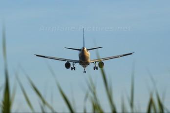 JA8395 - ANA - All Nippon Airways Airbus A320