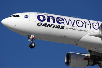 VH-EBL - QANTAS Airbus A330-200