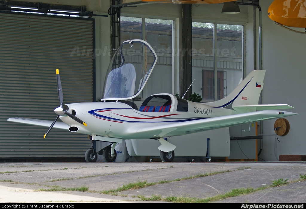 Private OK-LUU11 aircraft at Medlánky