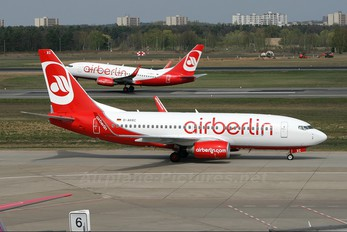 D-AHXC - Air Berlin Boeing 737-700