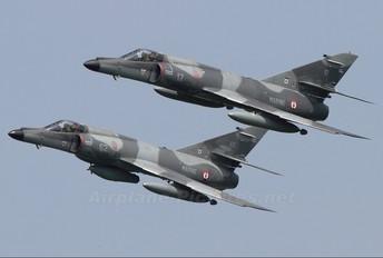 17 - France - Navy Dassault Super Etendard