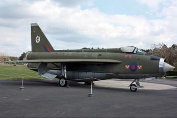 XN730 - Royal Air Force English Electric Lightning F.2A