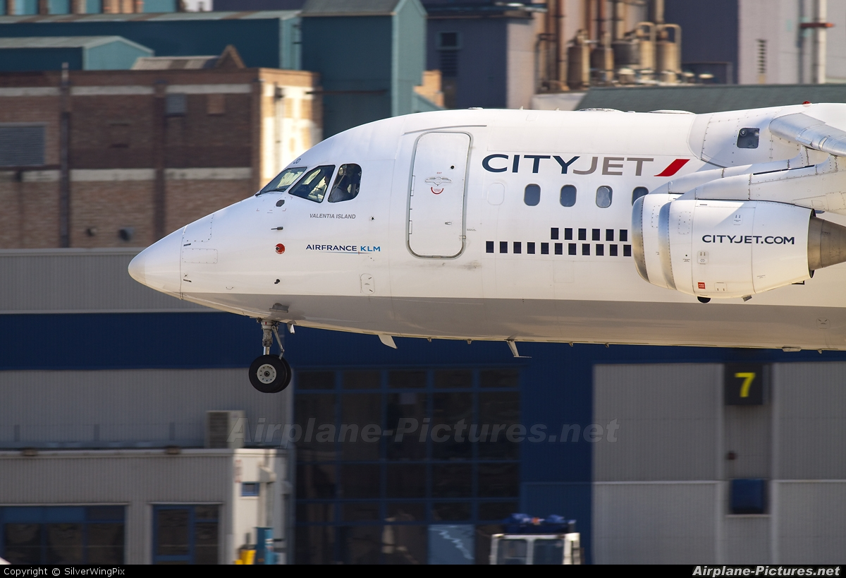 CityJet EI-RJD aircraft at London - City