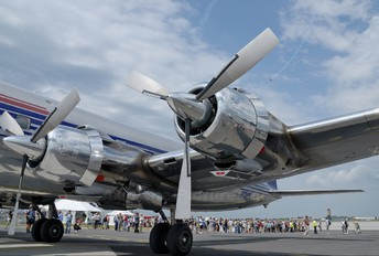 N996DM - The Flying Bulls Douglas DC-6B