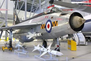 XM135 - Royal Air Force English Electric Lightning F.1