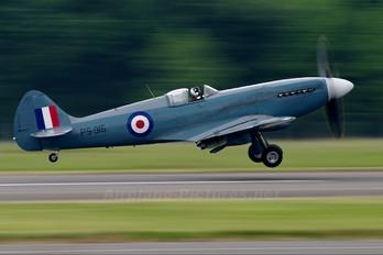 "PS915 - Royal Air Force ""Battle of Britain Memorial Flight&quot Supermarine Spitfire PR.XIX"