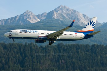 TC-SUH - SunExpress Boeing 737-800