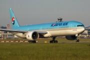 HL8209 - Korean Air Boeing 777-300ER aircraft