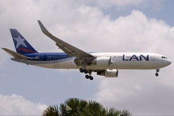 HC-CGZ - LAN Ecuador Boeing 767-300ER