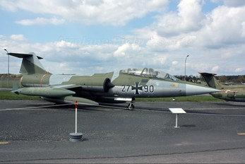 27+90 - Germany - Air Force Lockheed TF-104G Starfighter
