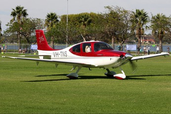 VH-TNS - Private Cirrus SR22