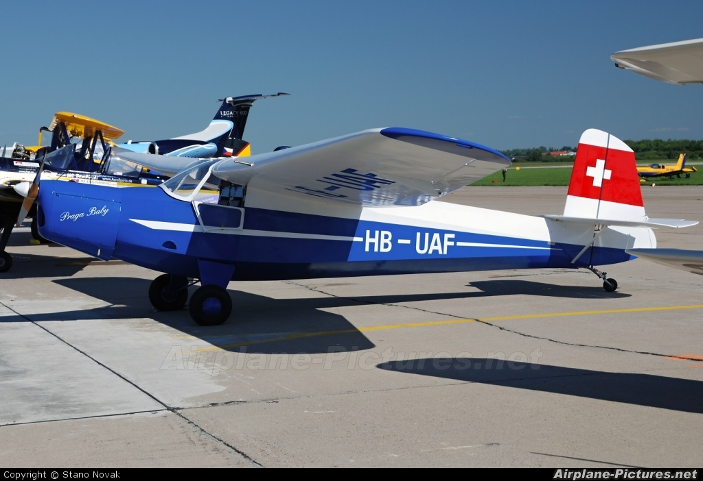Private HB-UAF aircraft at Pardubice