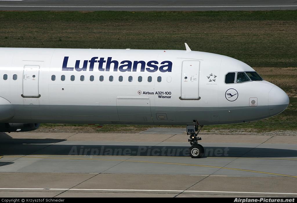 Lufthansa D-AIRR aircraft at Berlin - Tegel