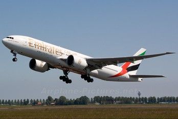 A6-EWE - Emirates Airlines Boeing 777-200LR