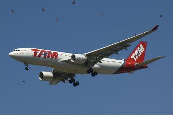 PT-MVP - TAM Airbus A330-200