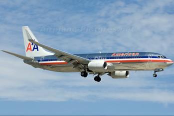 N831NN - American Airlines Boeing 737-800
