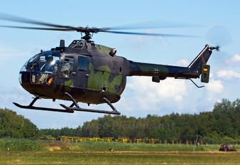 87+82 - Germany - Army MBB Bo-105P