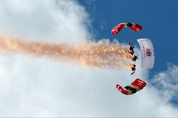 - - Royal Air Force Parachute Military