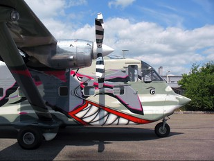 OE-FDI - Pink Aviation Short SC.7 Skyvan
