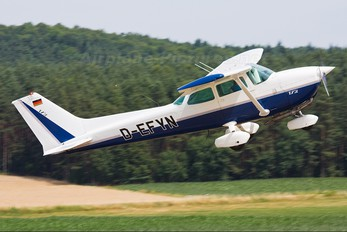 D-EFYN - Private Cessna 172 Skyhawk (all models except RG)
