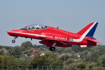 "XX237 - Royal Air Force ""Red Arrows"" British Aerospace Hawk T.1/ 1A"