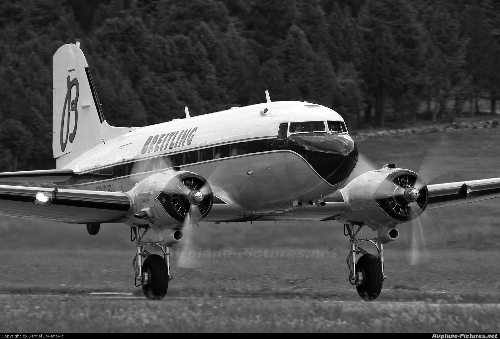 Super Constellation Flyers HB-IRJ aircraft at Samedan - Engadin