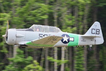N502 - Private North American Harvard/Texan (AT-6, 16, SNJ series)