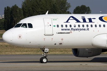 EI-DSE - Air One Airbus A320