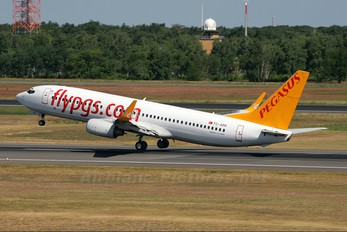 TC-APH - Pegasus Boeing 737-800