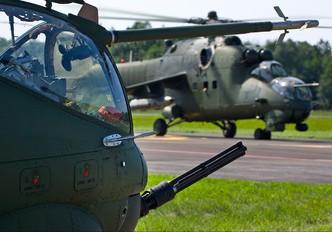 735 - Poland - Army Mil Mi-24V