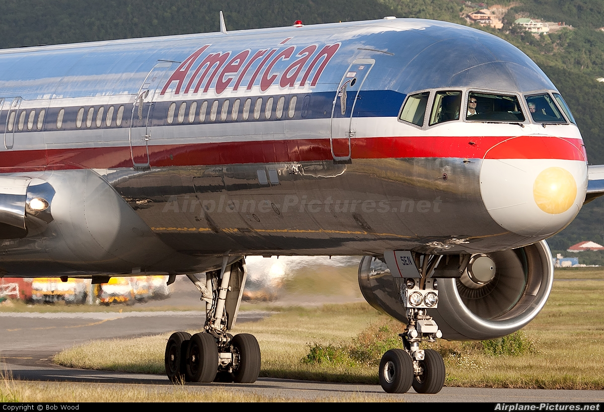 American Airlines N181AN aircraft at Sint Maarten - Princess Juliana Intl