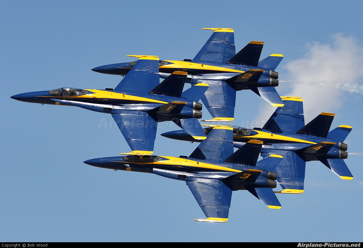 USA - Navy : Blue Angels - aircraft at Havelock - Cherry Point