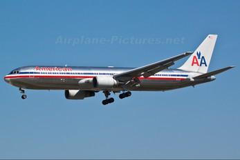 N374AA - American Airlines Boeing 767-300